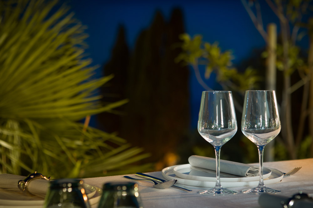 Terrace_outdoor_dining_3